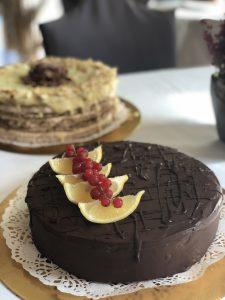 Tort migdałowo-czekoladowy z lemon curd